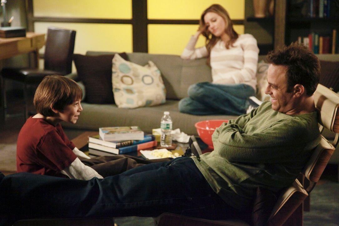 Charlotte (KaDee Strickland, M.) wird mit einem persönlichen ethischen Dilemma konfrontiert, als Amelia ihr ein Geheimnis über Masons (Griffin Glu... - Bildquelle: ABC Studios