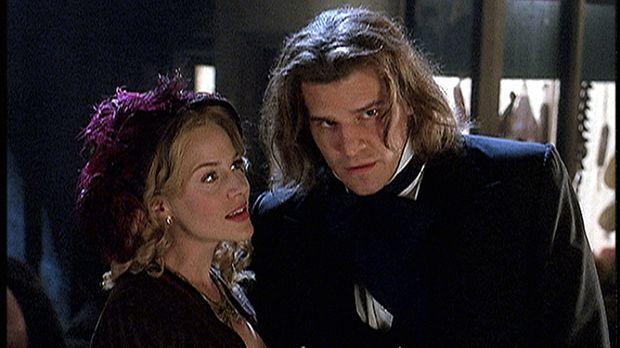 Angel (David Boreanaz, r.) und Darla (Julie Benz, l.) waren schon vor 150 Jah...