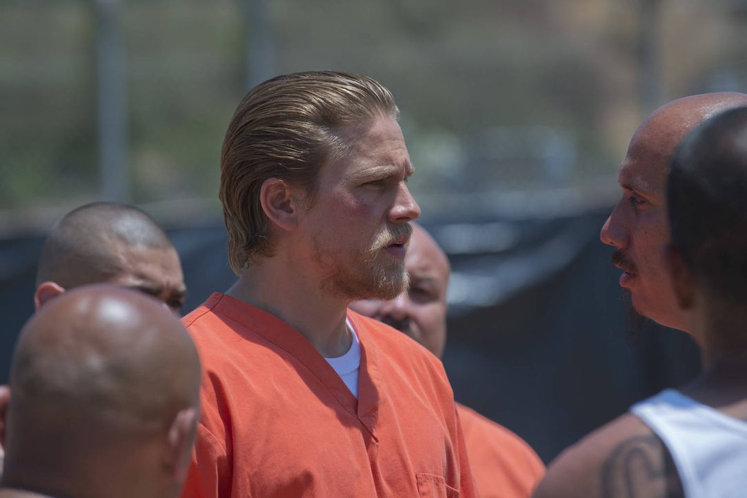 Jax (Charlie Hunnam) will immer das Richtige tun, doch sein bester Freund ist ihm einen Schritt voraus ... - Bildquelle: 2012 Twentieth Century Fox Film Corporation and Bluebush Productions, LLC. All rights reserved.