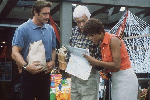 Diagnose: Mord - Steve (Barry Van Dyke, l.), Mark (Dick Van Dyke, M.) und Ama...