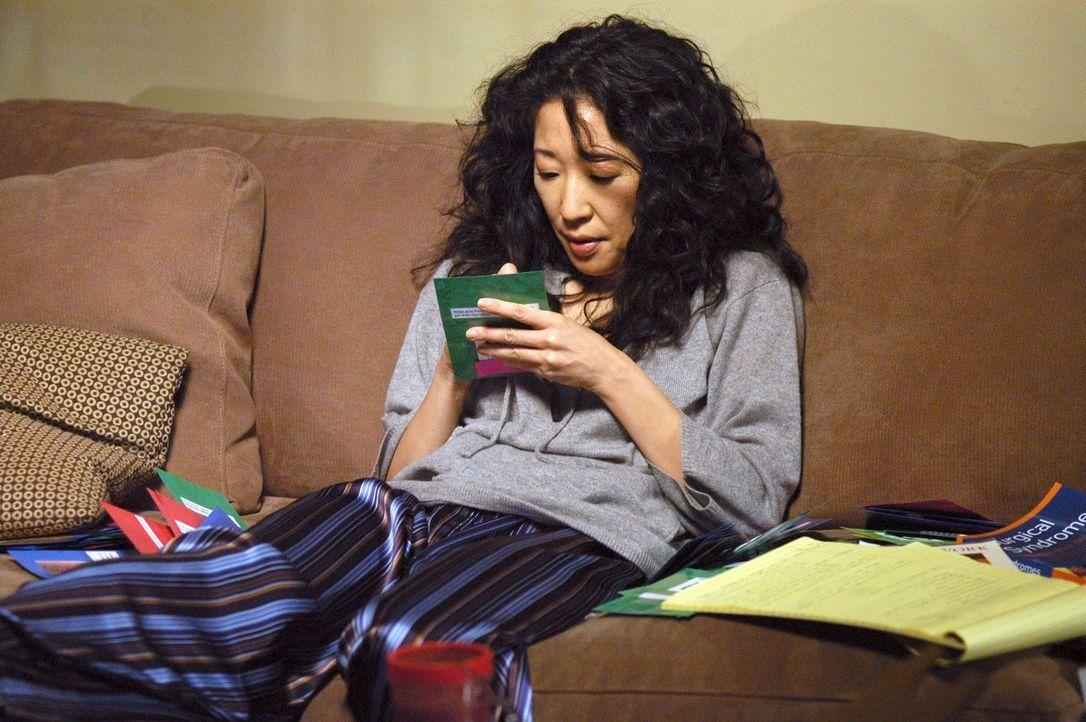 Ehrgeizig lernt Cristina (Sandra Oh) für ihre Abschlussprüfung ... - Bildquelle: Touchstone Television