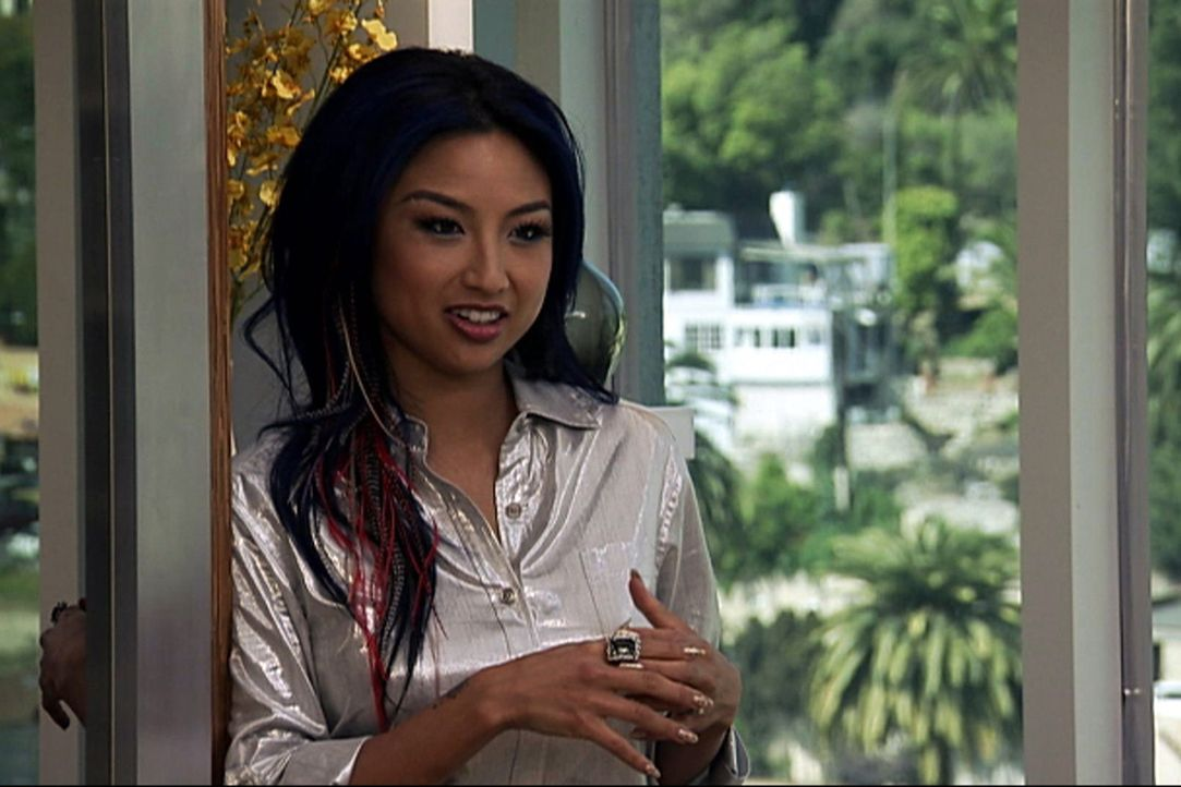 "(10. Staffel) - In ""How do I look?"" kämpft Jeannie Mai gegen modische Fehltritte und stylt ihre Kandidatinnen zu Power-Frauen. - Bildquelle: 2009 E! Entertainment Television, LLC. ALL RIGHTS RESERVED. ""STYLE? is a registered trademark of E! Entertainment Television, LLC."