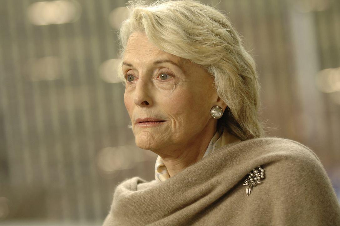 Audrey Parker (Constance Towers) besitzt ein großes Geheimnis, das niemand kennt: Sie kann ihren eigenen, alten Körper verlassen und in junger Gesta... - Bildquelle: Viacom Productions Inc.