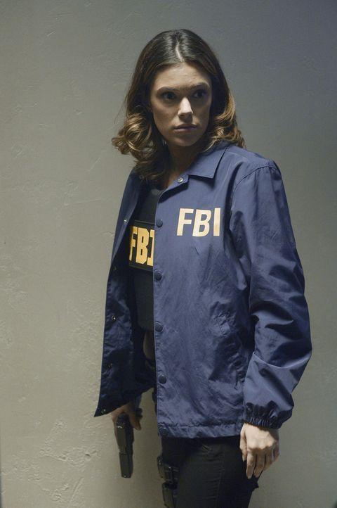 Wird Natalie (Anabelle Acosta) Ryan wirklich verraten? Oder steht sie Alex zur Seite, damit diese ihre Unschuld beweisen kann? - Bildquelle: Philippe Bosse 2015 ABC Studios