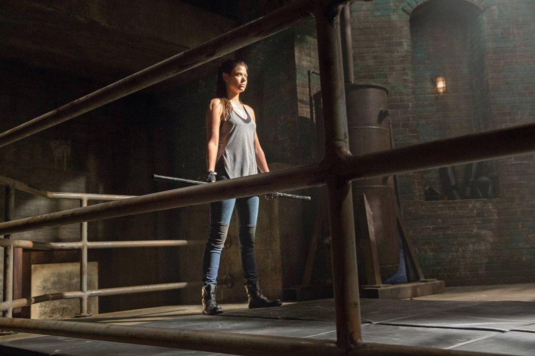 Wie weit wird Cara (Peyton List) gehen, um Stephen zu unterstützen? - Bildquelle: Warner Bros. Entertainment, Inc