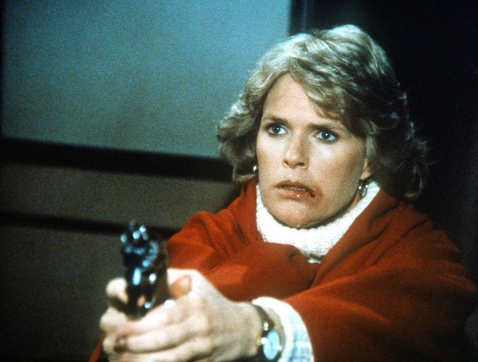 Cagney (Sharon Gless) wird von einem brutalen Messerstecher bedroht. - Bildquelle: ORION PICTURES CORPORATION. ALL RIGHTS RESERVED.