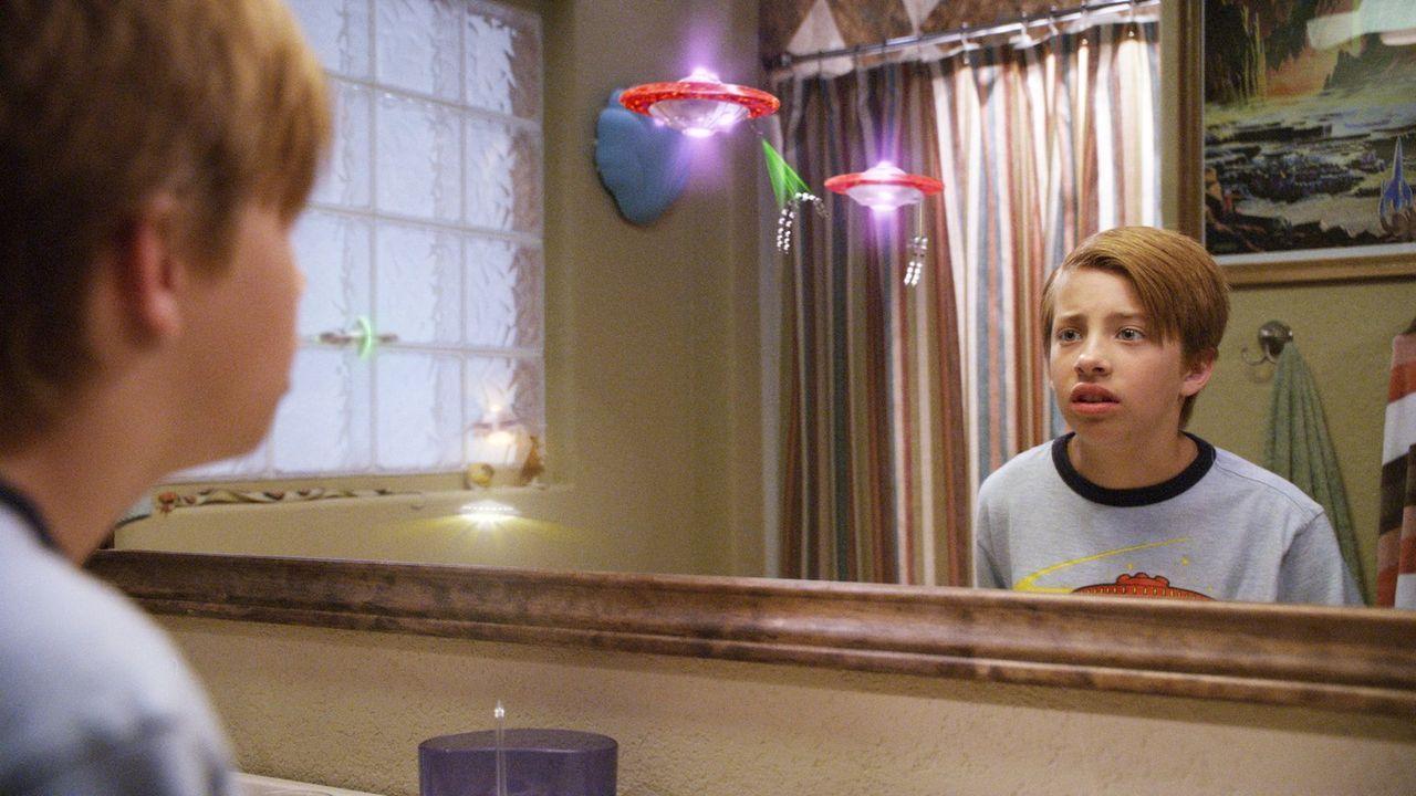 Der elfjährige Toe Thompson (Jimmy Bennett) lebt mit seinen Eltern in der texanischen Kleinstadt Black Falls. Jeden Morgen stopfen ihn die Schulrowd... - Bildquelle: Warner Brothers