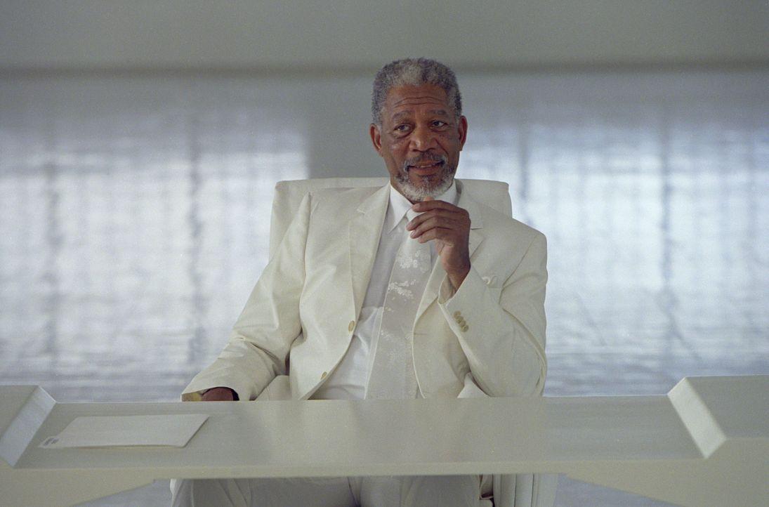 Gott (Morgan Freeman) überträgt seine Macht einem seiner Schäfchen, um selbst endlich mal Urlaub machen zu können. Doch ist der erfolglose Reporter... - Bildquelle: 2003 Universal Studios. All rights reserved