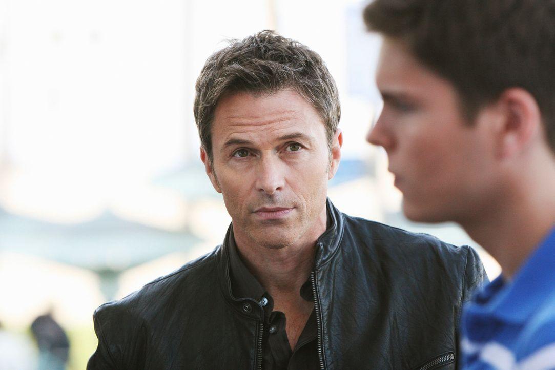 Da Pete (Tim Daly, l.) der Meinung ist, dass Nick (Jack Briggs, r.) und seine Frau im Begriff sind, eine falsche Entscheidung zu treffen, redet er i... - Bildquelle: ABC Studios