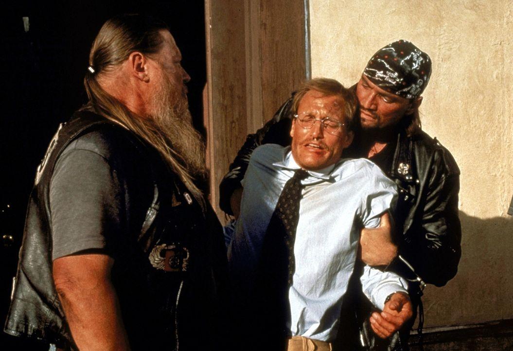 Die Fahrt nach Arizona wird für Michael (Woody Harrelson, M.) zu einem Höllentrip ... - Bildquelle: Warner Bros.