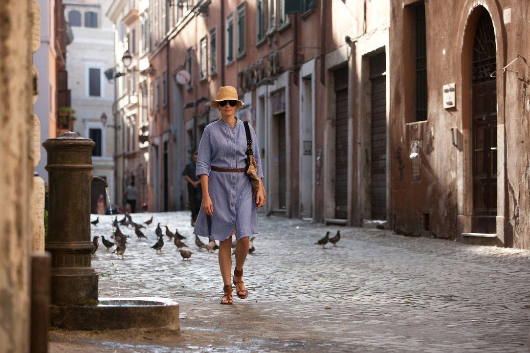 Am Scheideweg ihres Lebens beschließt Liz Gilbert (Julia Roberts), alles zu riskieren. Sie verlässt New York und ihr wohlgeordnetes Leben, und beg... - Bildquelle: 2010 Columbia Pictures Industries, Inc. All Rights Reserved.