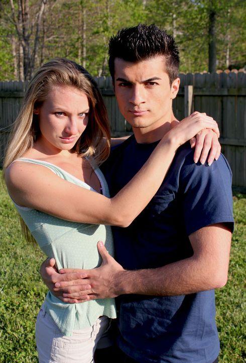 Ihre Beziehung bestimmt ihr ganzes Leben und keiner sollte sich zwischen sie drängen: Bryan Grove (r.) und Tess Damm (l.) ... - Bildquelle: M2 Pictures