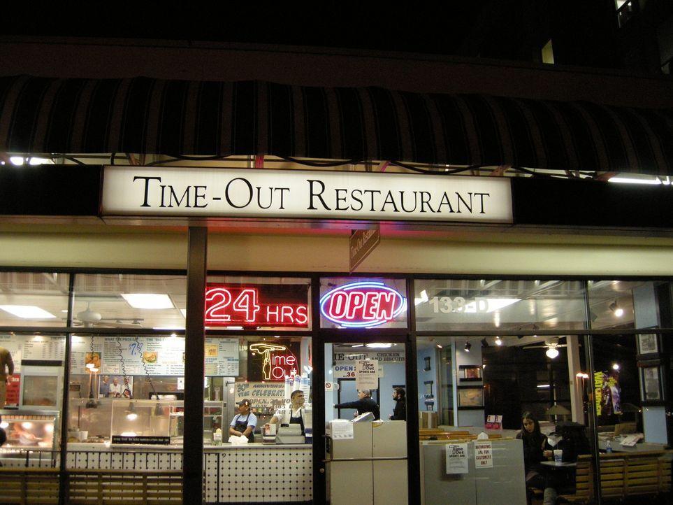 Das Time-Out Restaurant in Chapel Hill gibt es seit über 30 Jahren. Hier darf Adam einen einzigartigen süßen Hähnchen-Keks probieren: den Time-Out-C... - Bildquelle: The Travel Channel, L.L.C.