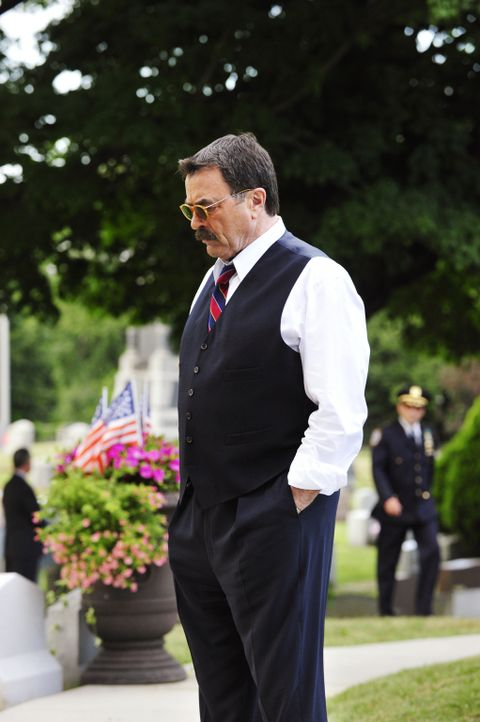 Der Tod eines NYPD-Polizisten erschüttert Frank (Tom Selleck) und seine Kollegen. Die Suche nach dem Mörder wird zur obersten Priorität für das Team... - Bildquelle: John Paul Filo 2013 CBS Broadcasting Inc. All Rights Reserved.