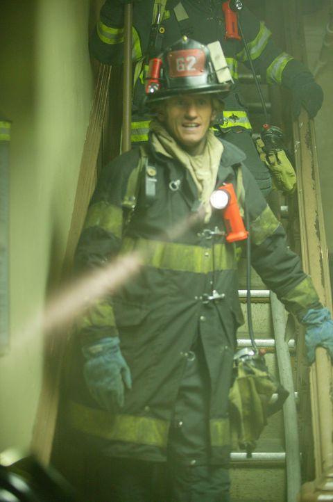 Leben zu retten, ist seine Passion: Feuerwehrmann Tommy Gavin (Denis Leary) ... - Bildquelle: 2004 Sony Pictures Television Inc. All Rights Reserved.