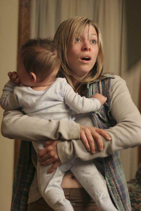 Rückblick: Das Leben von Angela Forrester sollte sich schlagartig ändern, als Deirdre (Jolie Jenkins, r.) auf sie zukommt und sie um Geld bittet ... - Bildquelle: Touchstone Pictures