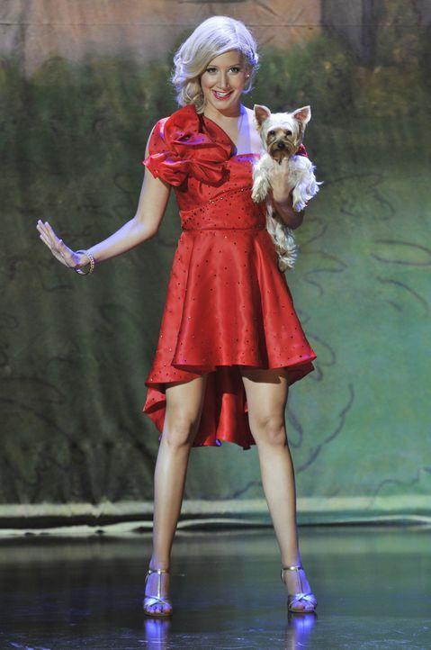 Als Sharpay (Ashley Tisdale) endlich in New York ankommt, muss sie mit Entsetzen feststellen, dass die versprochene Broadway-Rolle eigentlich für ih... - Bildquelle: 2010 Disney Enterprises, Inc. All rights reserved.