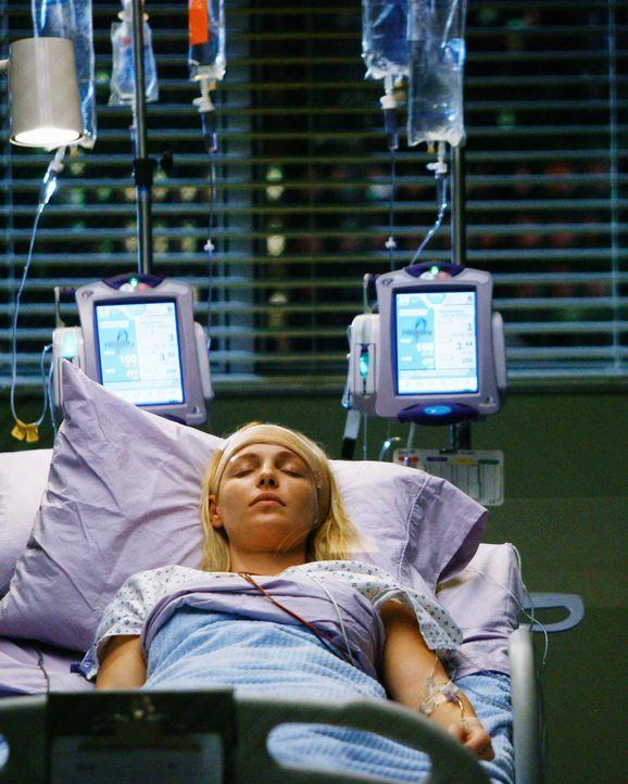 Der große Tag ist gekommen: Izzie (Katherine Heigl) wird am Gehirn operiert, um den Tumor zu entfernen. Derek wird sie gemeinsam mit der Onkologin... - Bildquelle: Touchstone Television