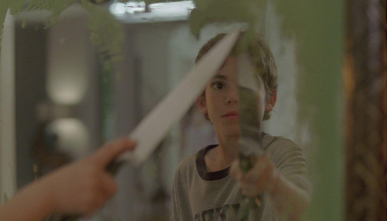 Als Ben erkennt, dass seine Frau und seine beiden Kinder (Cameron Boyce) von den Spiegelbildern bedroht werden, setzt er in einem gnadenlosen Wettla... - Bildquelle: 2007 Regency Enterprises, New Regency Pictures
