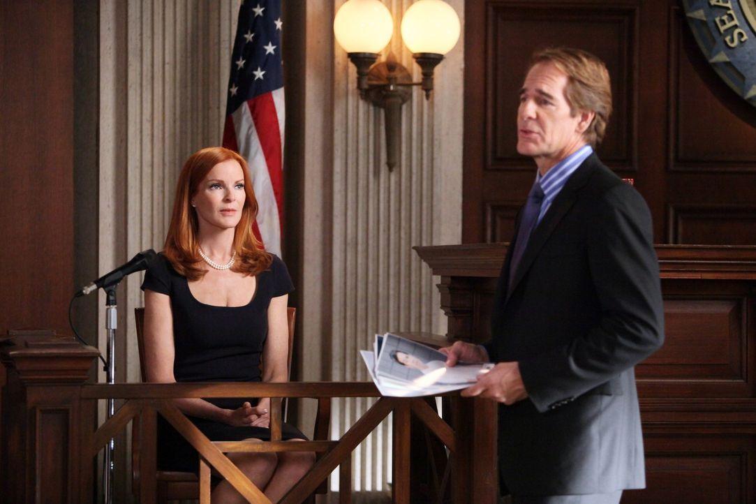 Während sich der Mordprozess nähert, beginnt Bree (Marcia Cross, l.) sich in ihren Anwalt Trip (Scott Bakula, r.) zu verlieben ... - Bildquelle: ABC Studios