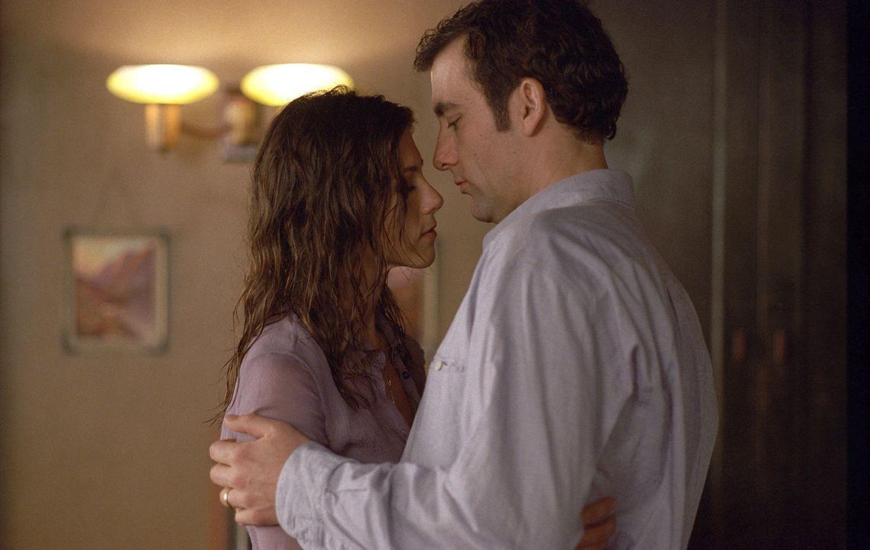 Bereits mit einem einzigen Blick ist für den eigentlich glücklich verheirateten Charles (Clive Owen, r.) klar, dass er eine Nacht mit Lucinda (Jen... - Bildquelle: Miramax Films All rights reserved