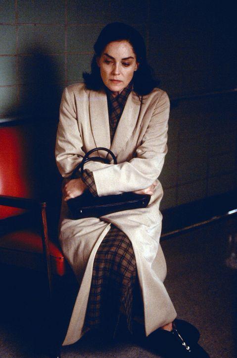 Verzweifelt macht sich Sally (Sharon Stone) auf die Suche nach ihrem Ehemann Leo ... - Bildquelle: Lions Gate Films Inc