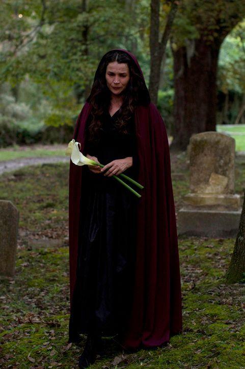 Immer wieder versucht Joanna Beauchamp (Julia Ormond), den Fluch, der auf ihr lastet, zu umgehen. Bisher ist ihr das leider nicht gelungen und so mu... - Bildquelle: 2013 Twentieth Century Fox Film Corporation. All rights reserved.