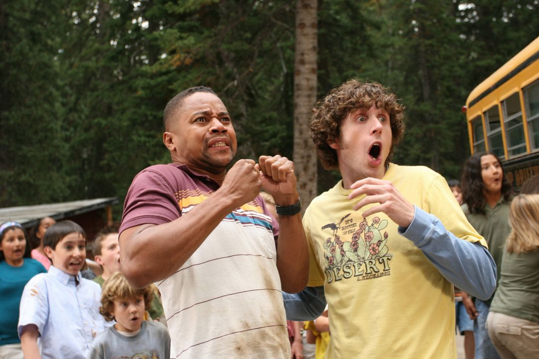 Chaotisch und turbulent geht es im Feriencamp zu: Charlie (Cuba Gooding Jr., l.) und Dale (Josh McLerran, r.) sind nicht selten vom Einfallsreichtum... - Bildquelle: Sony 2007 CPT Holdings, Inc.  All Rights Reserved.