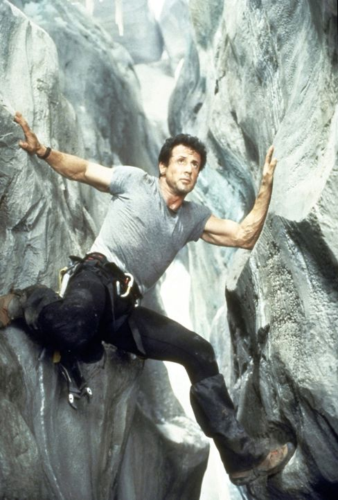 Immer an der Wand lang: Freeclimb-Spezialist Gabe Walker (Sylvester Stallone). - Bildquelle: 1993 Cliffhanger B.V. All Rights Reserved.