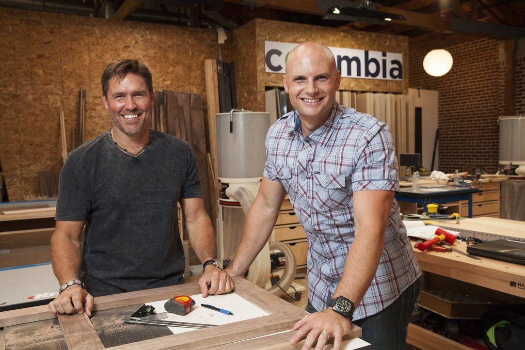 Designer Tim McClellan (l.) und der Zimmermann Chip Wade (r.) müssen sich perfekt ergänzen, wenn aus den Ideen auch reale Möbel werden sollen ... - Bildquelle: 2015 Warner Bros.