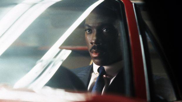 Der ungewöhnliche Cop Axel (Eddie Murphy) Foley ist in Detroit undercover tät...