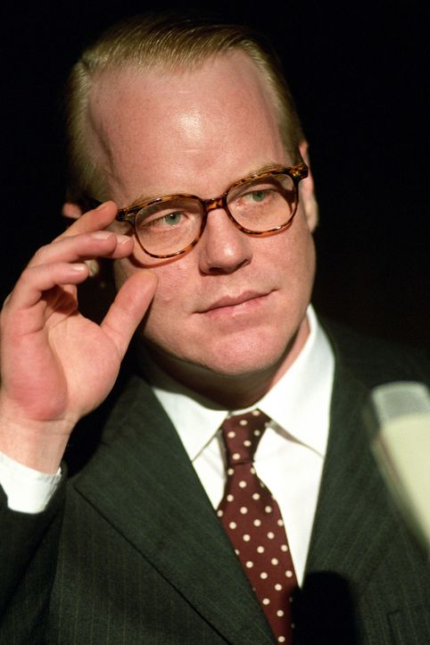 Die New York Times möchte ihn, Truman Capote (Philip Seymour Hoffman), als Autor für einen Bericht über die Morde in Kansas. Aber wird es je eine... - Bildquelle: 2005 United Artists Films Inc. and Columbia Pictures Industries, Inc. All Rights Reserved.