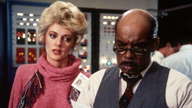 Francine (Martha Smith, l.) und Billy (Mel Stewart, r.) machen sich Sorgen um...
