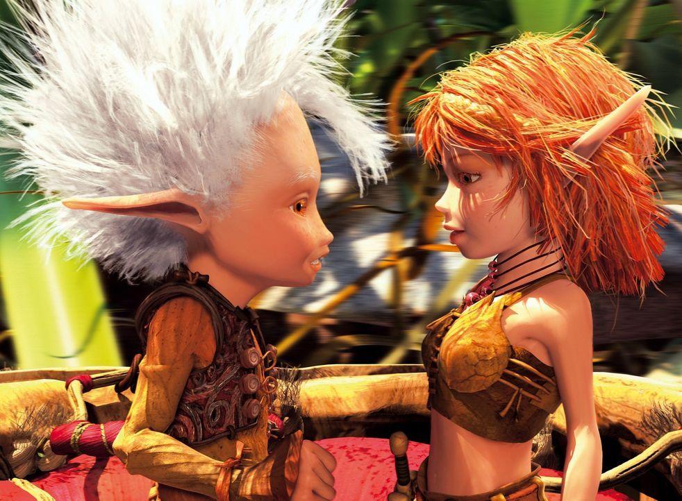 Gemeinsam mit Beta und Prinzessin Selenia (r.) macht sich Arthur (l.) auf, um das Versteck des Schatzes zu finden. Doch ihre Mission stellt sich als... - Bildquelle: TOBIS Film