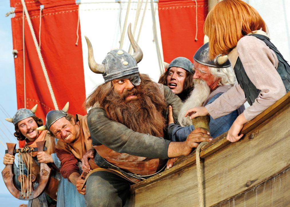 Bei ihrem Abenteuer auf hoher See, erleben Ulme (Patrick Reichel, l.), Gorm (Mike Maas, 2.v.l.), Halvar (Waldemar Kobus, 3.v.l.), Tjure (Nic Romm, 3... - Bildquelle: 2009 Constantin Film Verleih GmbH
