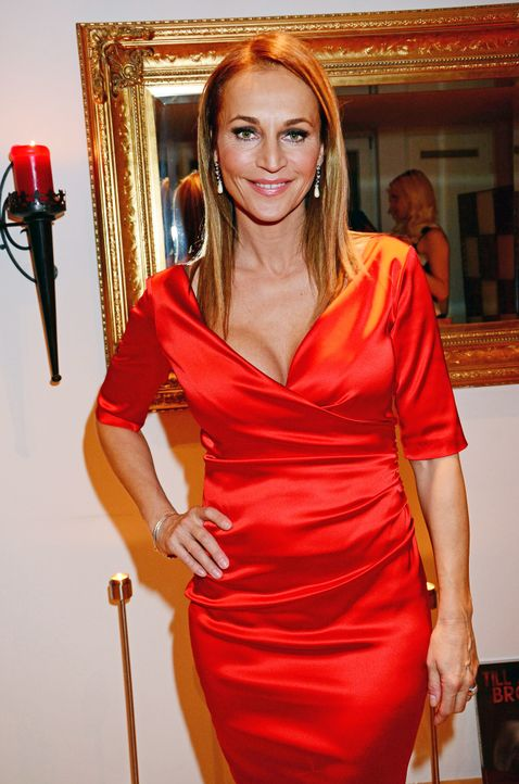 Star-Press-Xmas-Party-Caroline-Beil-141212-AEDT-WENN-com - Bildquelle: AEDT/WENN.com