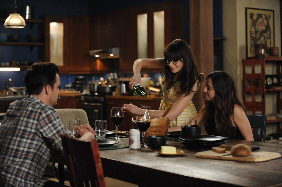 Jess (Zooey Deschanel, M.) gerät in Panik, als sich ihre Schwester Abby (Linda Cardellini, r.) dazu entschließt, in Los Angeles zu bleiben. Sie besc... - Bildquelle: TM &   2013 Fox and its related entities. All rights reserved.