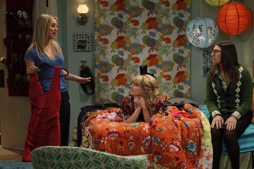 Frauenabend: Penny (Kaley Cuoco, l.), Bernadette (Melissa Rauch, M.) und Amy (Mayim Bialik, r.) ... - Bildquelle: Warner Bros. Television
