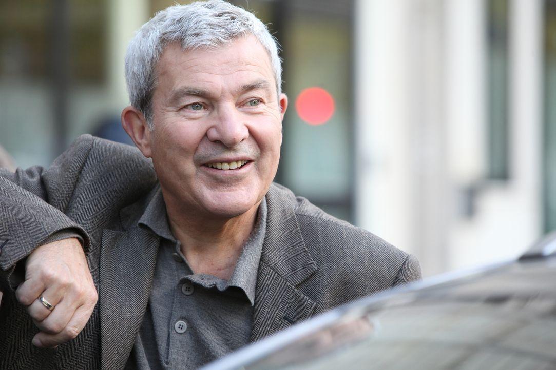 Was führt Armand Dubois (Martin Lamotte) im Schilde? - Bildquelle: Xavier Cantat 2011 BEAUBOURG AUDIOVISUEL