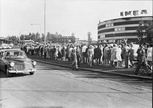 IKEA Kungens Kurva Warteschlange 1965