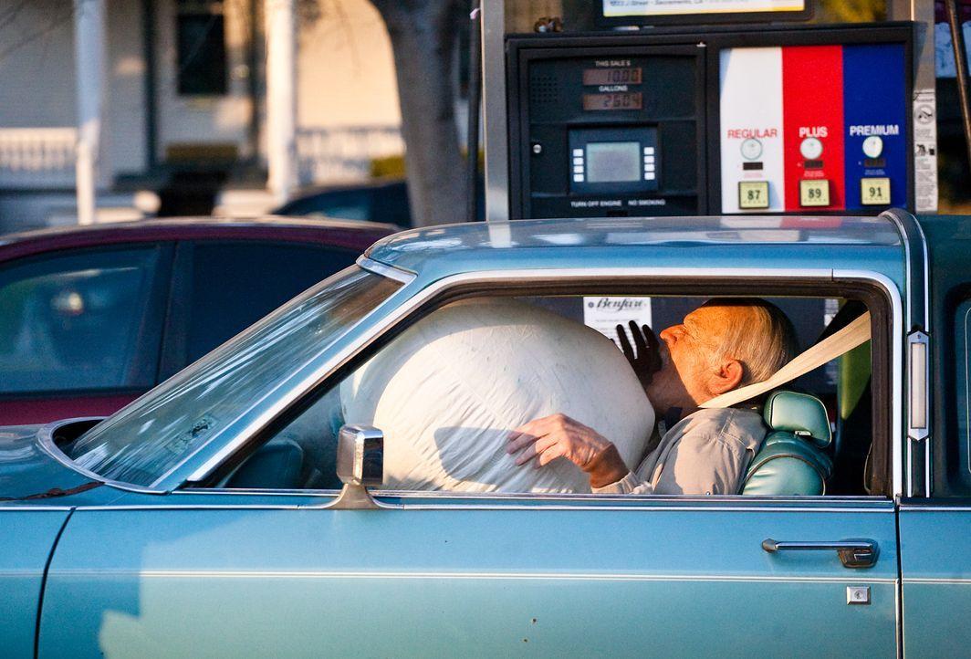 Dumm gelaufen für Irving (Johnny Knoxville) ... - Bildquelle: Sean Cliver MMXIII Paramount Pictures Corporation.  All Rights Reserved.