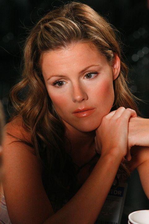 Was versucht die hübsche Diana (Kathleen Robertson) zu verbergen? - Bildquelle: Paramount Network Television