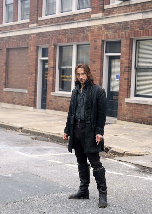Findet sich plötzlich im Jahr 2013 wieder: Captain des Amerikanischen Unabhängigkeitskrieges, Ichabod Crane (Tom Mison) ... - Bildquelle: 2013 Twentieth Century Fox Film Corporation. All rights reserved.
