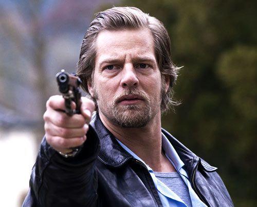 Kann den Mörder stellen: Mick (Henning Baum) - Bildquelle: Martin Rottenkolber Sat1