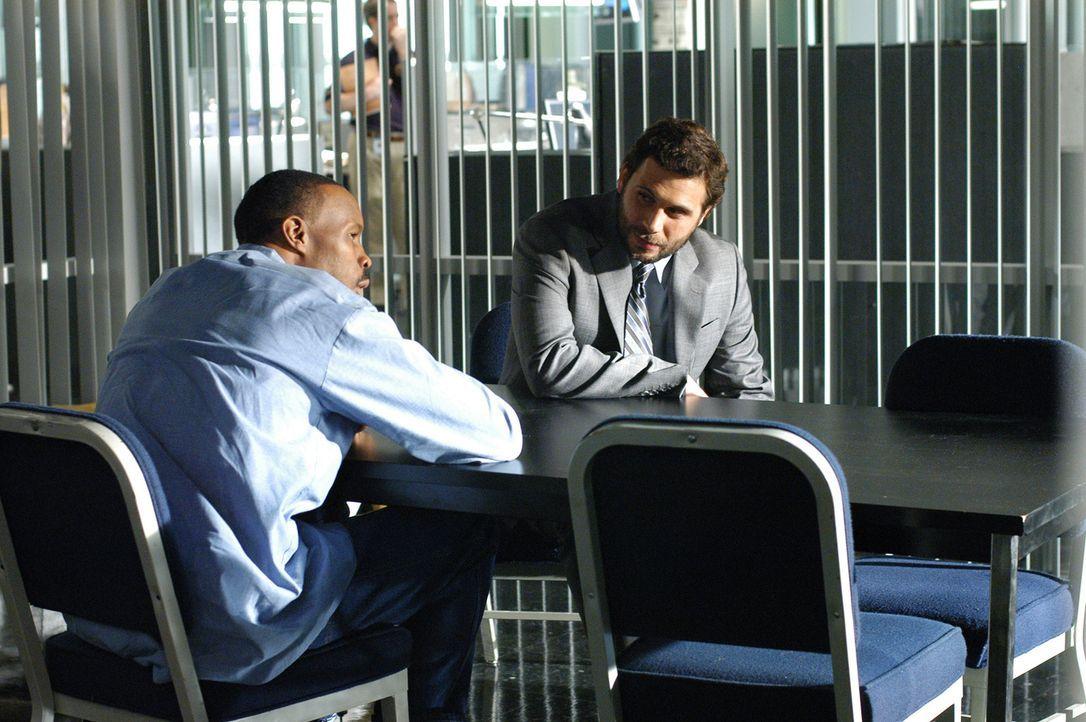 Alvin Brickle (Jeremy Sisto, r.) ist Don bei seinem Fall mit Pony Fuentes (Wood Harris, l.) behilflich ... - Bildquelle: Paramount Network Television