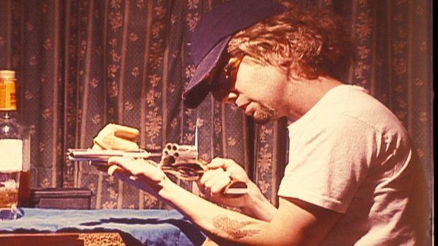 Am 20. August 1980 ermordet ein Heckenschütze zwei schwarze Männer, die in Be...