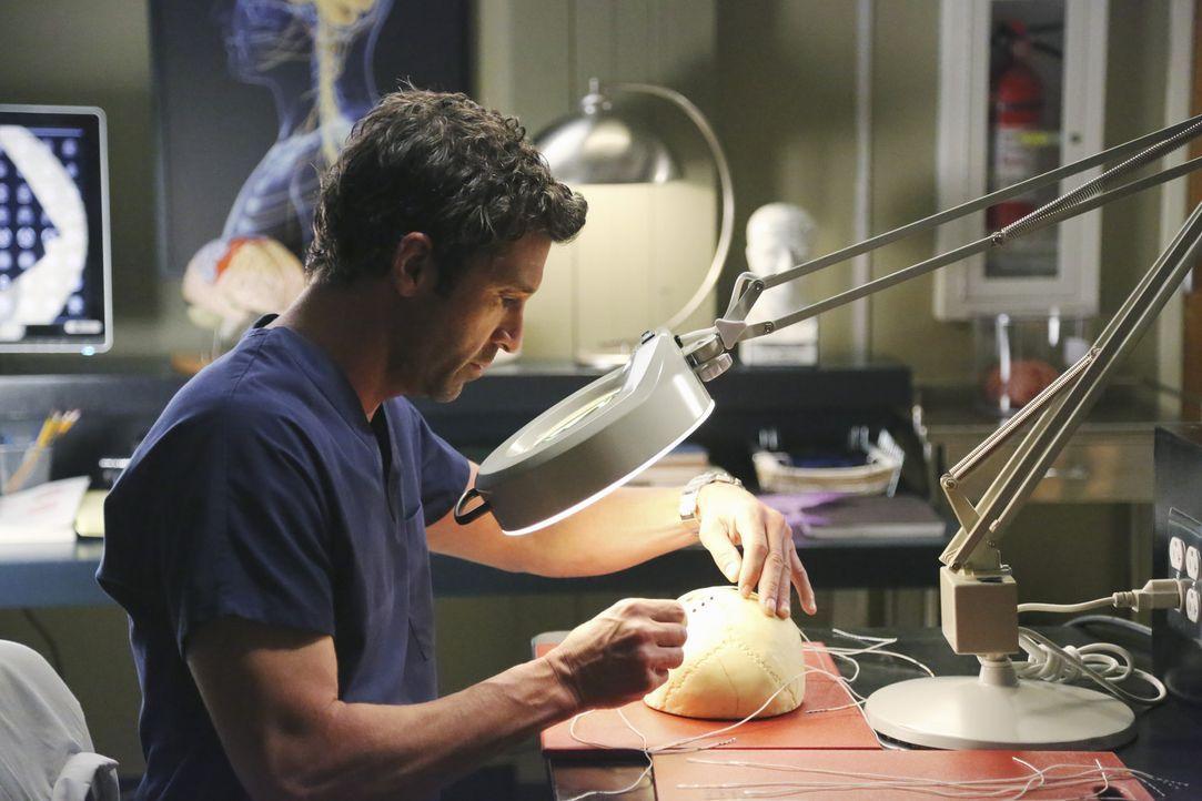 Während Derek (Patrick Dempsey) am Schmetterlingskostüm seiner Tochter bastelt, entdeckt er eine neue Operationsmethode. Doch ist diese auch wirkl... - Bildquelle: ABC Studios