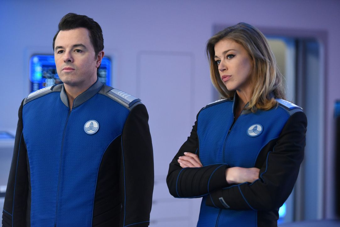 Ahnen nicht, welchen Gefahren Teile ihrer Crew auf einem fremden Planeten ausgesetzt sind: Ed (Seth MacFarlane, l.) und Kelly (Adrianne Palicki, r.)... - Bildquelle: Michael Becker 2017 Fox and its related entities.  All rights reserved.