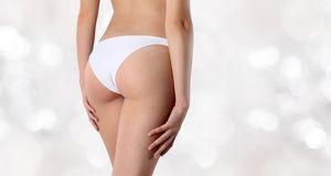 Ein Slip ist für die meisten Frauen sehr bequem. Nachteil: Unter dünnen Stoff...