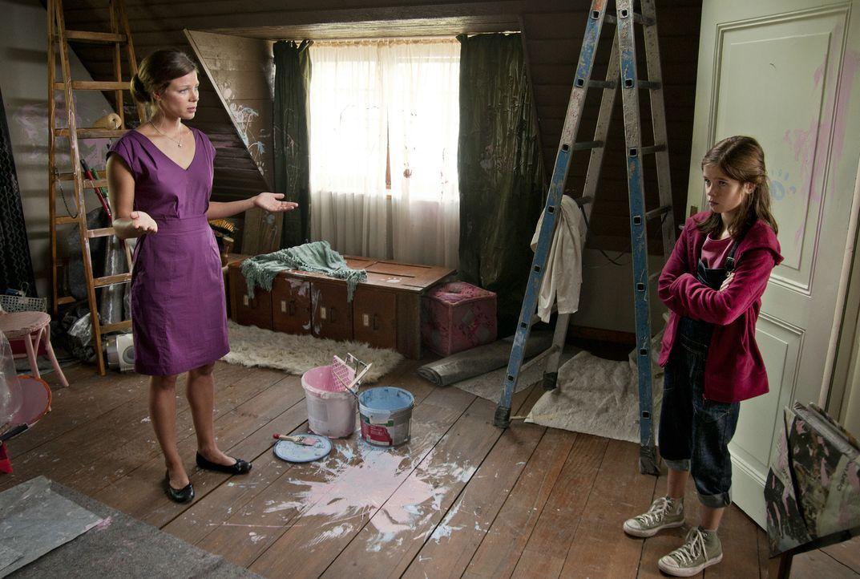 Seit ihr Vater vor einem Jahr gestorben ist, hat sich Pia (Jamie Bick, r.) von allen Freunden zurückgezogen und zankt sich ständig mit ihrer Mutter... - Bildquelle: Sony Pictures